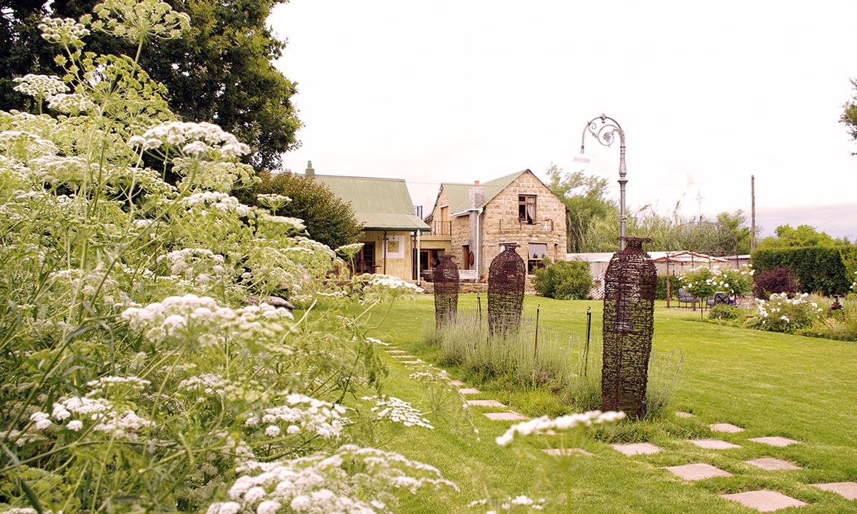De Oude Huize Yard - Harrismith's Hidden Bed & Breakfast Gem